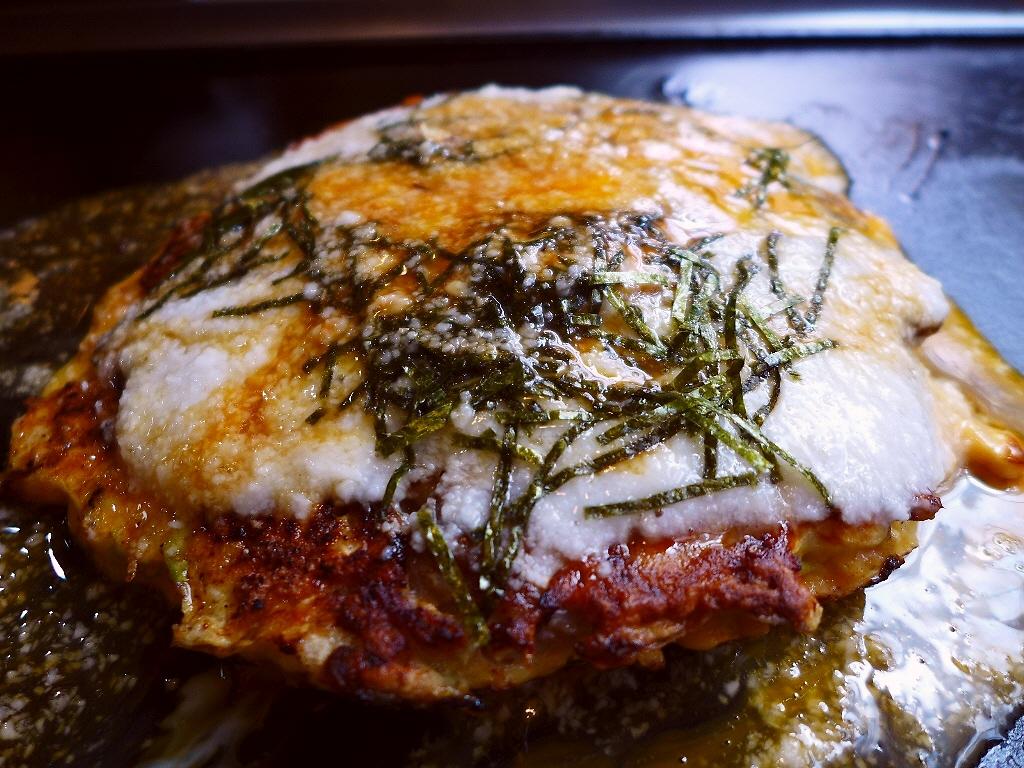 大阪の老舗お好み焼き屋さんの名物山かけミックス焼はふわふわトロトロで絶品です! 北区小松原町 「お好み焼き つる家」