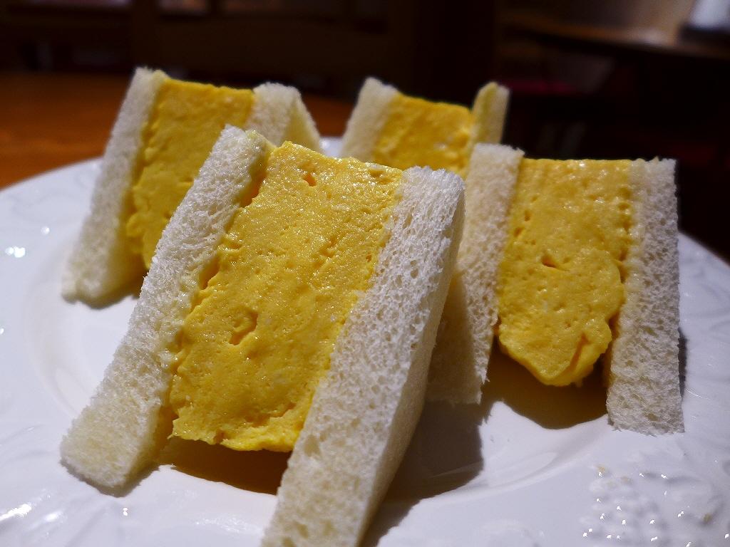 ふわふわプルンプルンの超厚焼き玉子サンドは美味しくて食べごたえ満点です! 心斎橋 「Natural Sapple(ナチュラル・サプリ)」