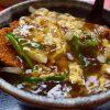 地元で愛される下町中華のボリューム満点の中華風カツ丼はジャンクで癖になる味わいです! 東三国 「味悟空 三国店」