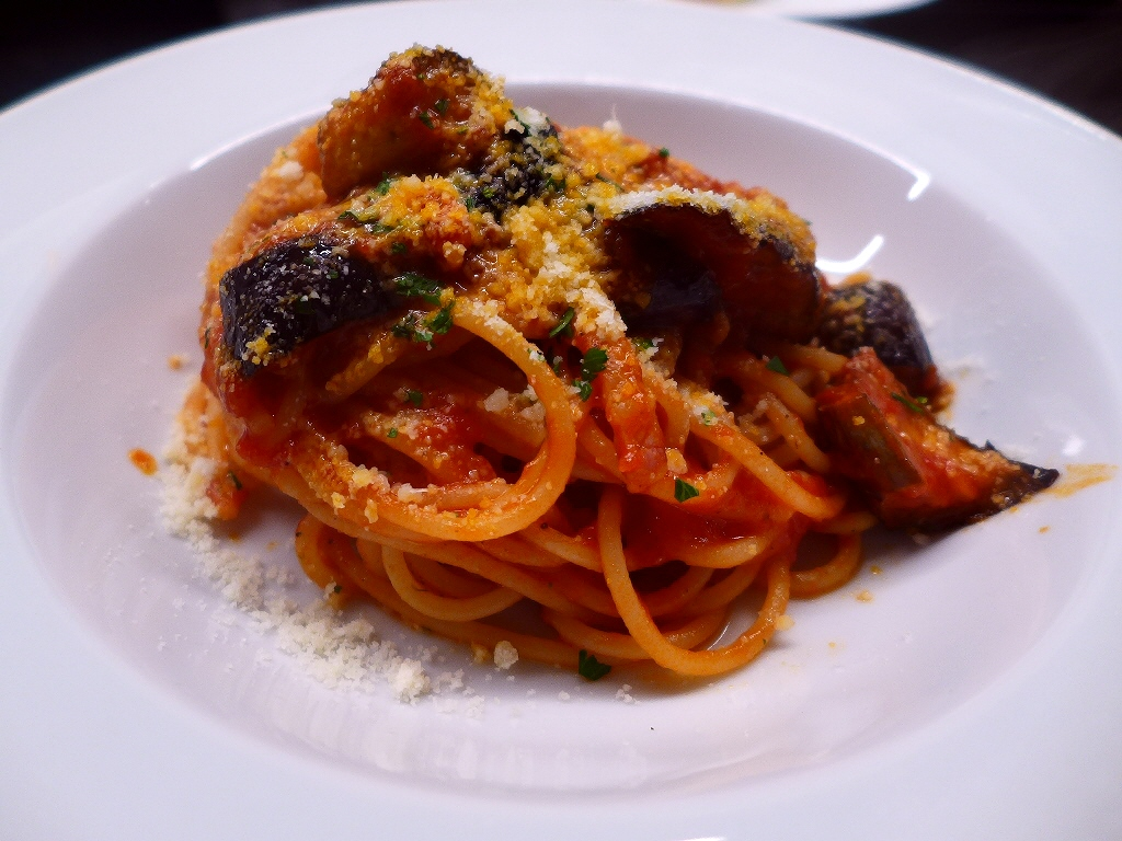 優雅でスタイリッシュな空間で本格的な味わいのイタリア料理が楽しめます! 芦屋市 「OSTERIA VIVACE con e DePadova(オステリア ヴィヴァーチェ コン エ デパドヴァ)」