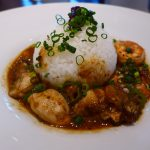 牡蠣入りガンボと絶品の牡蠣料理がリーズナブルにいただけます! 阪急グランドビル 「ウメダステーション オイスターバー」