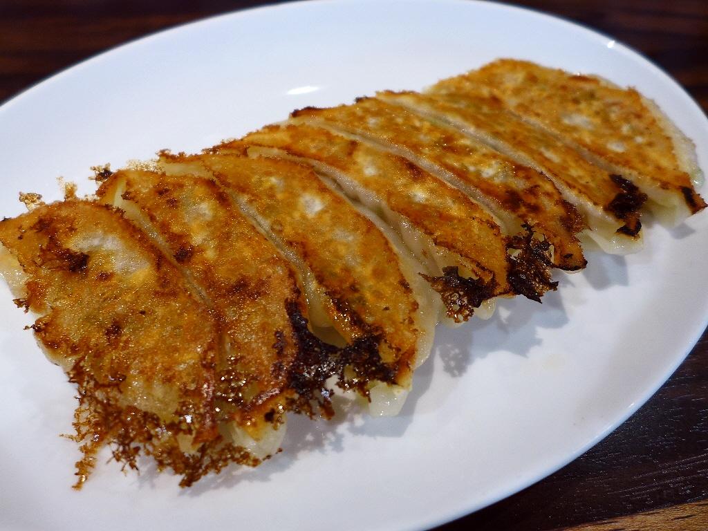 画像2: 本日のランチは千日前にある中華料理のお店「珉珉 南千日前本店」に行きました。言わずと知れた関西を中心に全国に大チェーン展開されている餃子の眠眠の総本店です!と言っても、眠眠の直営は関西で10店舗、関東で9店舗のみで、それ... emunoranchi.com