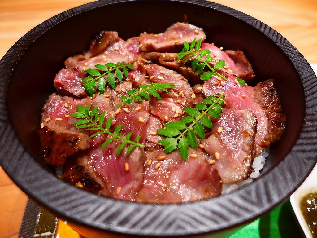 画像2: 本日のランチは北新地にある高級肉懐石料理のお店「Salon du Kuma3」に行きました。島之内にある秘密の隠れ家の高級肉料理のお店「くま3」の姉妹店が北新地にオープンしたので、夜も気になりつつ、まずはラン... emunoranchi.com