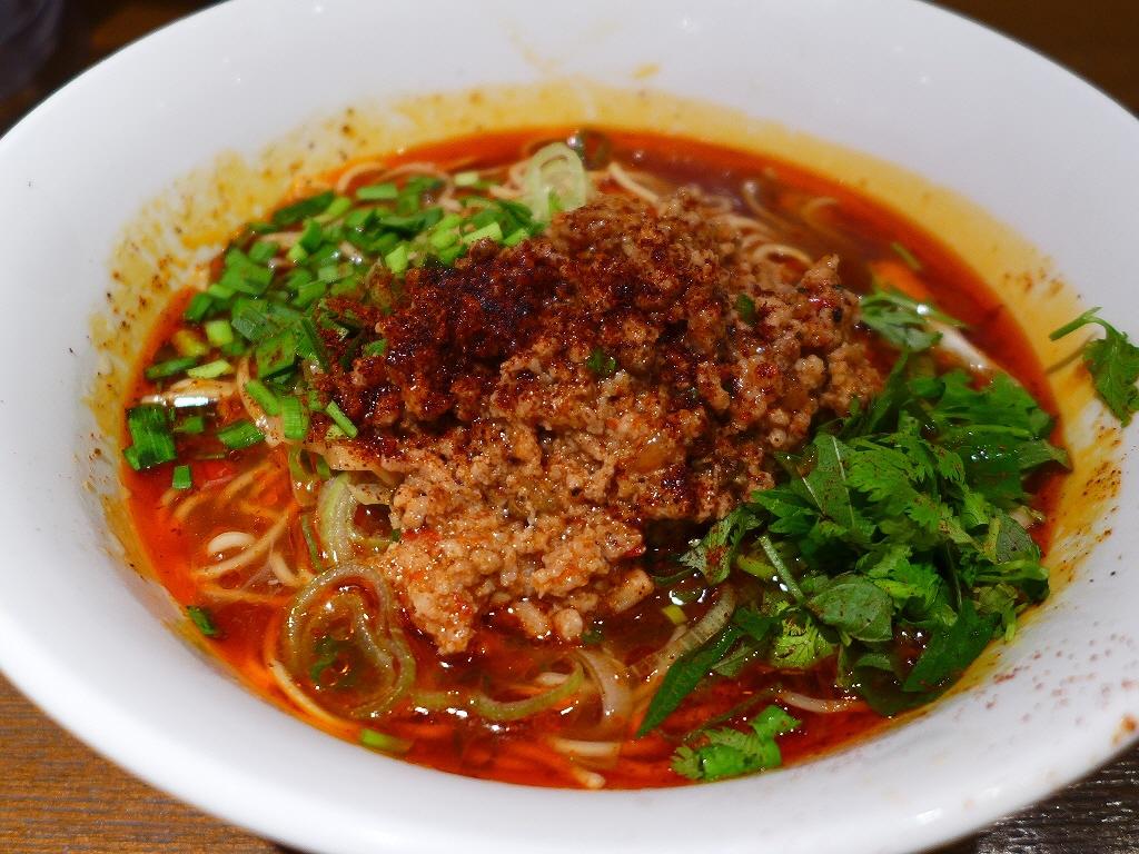 画像2: 本日のランチは梅田の大阪マルビル地下2階にある台湾ラーメン専門店「ダイキ麺」に行きました。台湾ラーメンや台湾まぜ麺が人気のお店ですが、夏季限定で提供される冷たい台湾ラーメンを食べに行ってきました!「パクチー入り冷やし台湾... emunoranchi.com