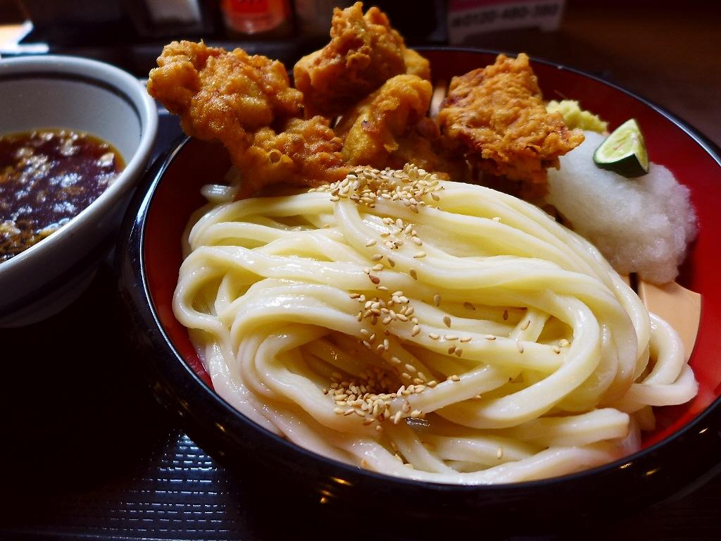 讃岐うどんとうどんに合う唐揚げの期間限定コラボはめちゃ旨でした! 神戸三ノ宮 「丸亀製麺 三宮店」