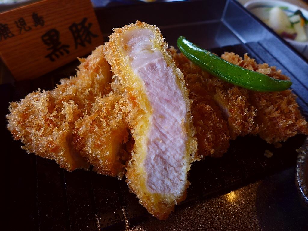 絶品黒豚とんかつに本格欧風カレーなどのビュッフェが付いたお値打ち膳! 梅田 「とんかつKYK 阪急32番街店」