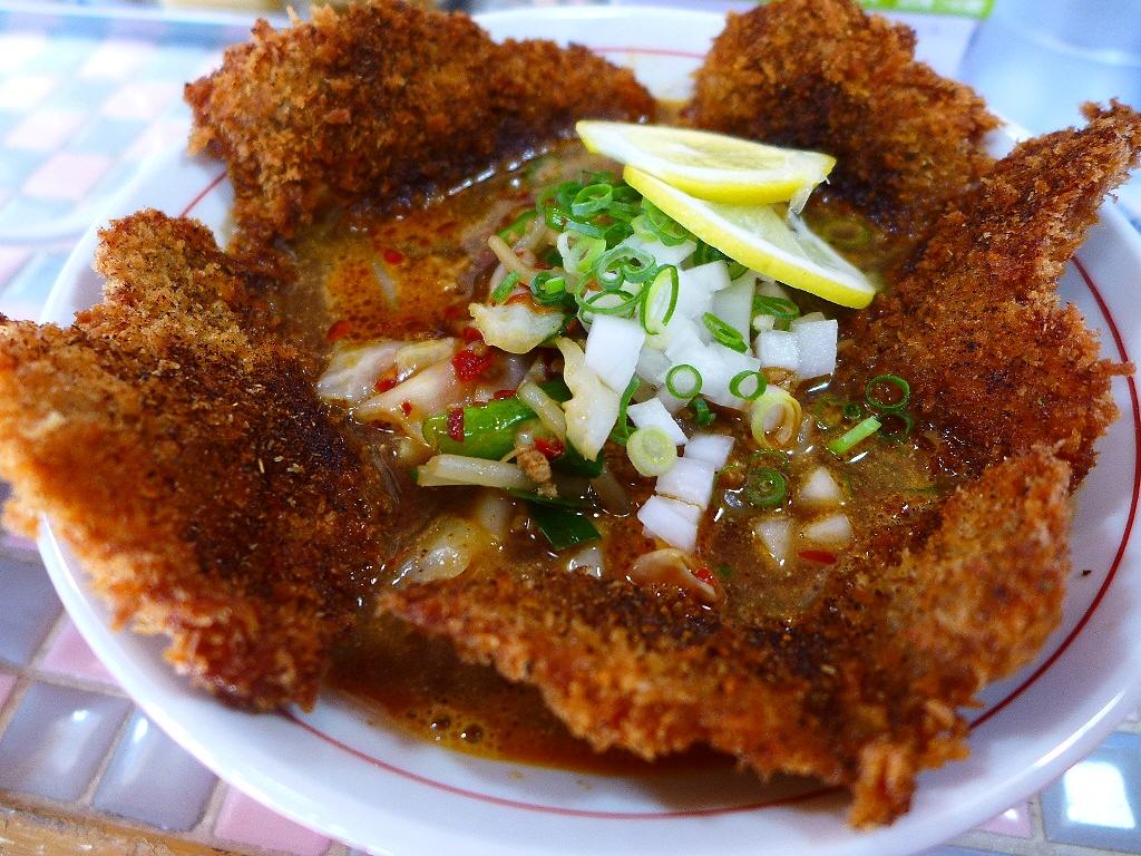 画像2: 本日のランチは神戸市灘区にあるラーメン屋さん「三木ジェット」に行きました。少し前にインスタグラムでこの画像を見て、一瞬で釘付けになってしまい、どうしても食べたくて行ってきました(^^こちらのお店では「ジェット」というピリ... emunoranchi.com