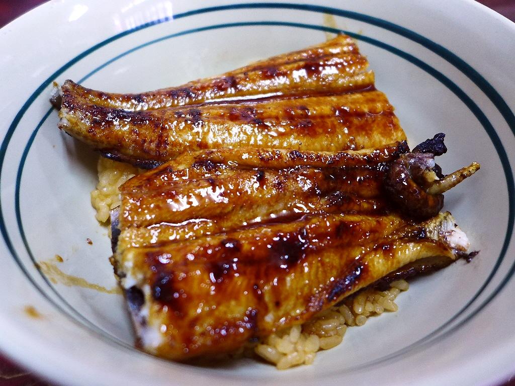 地元で愛される大衆割烹で感動的に旨い泳ぎうなぎのうな丼がいただけます! あびこ 「割烹つくしん坊」