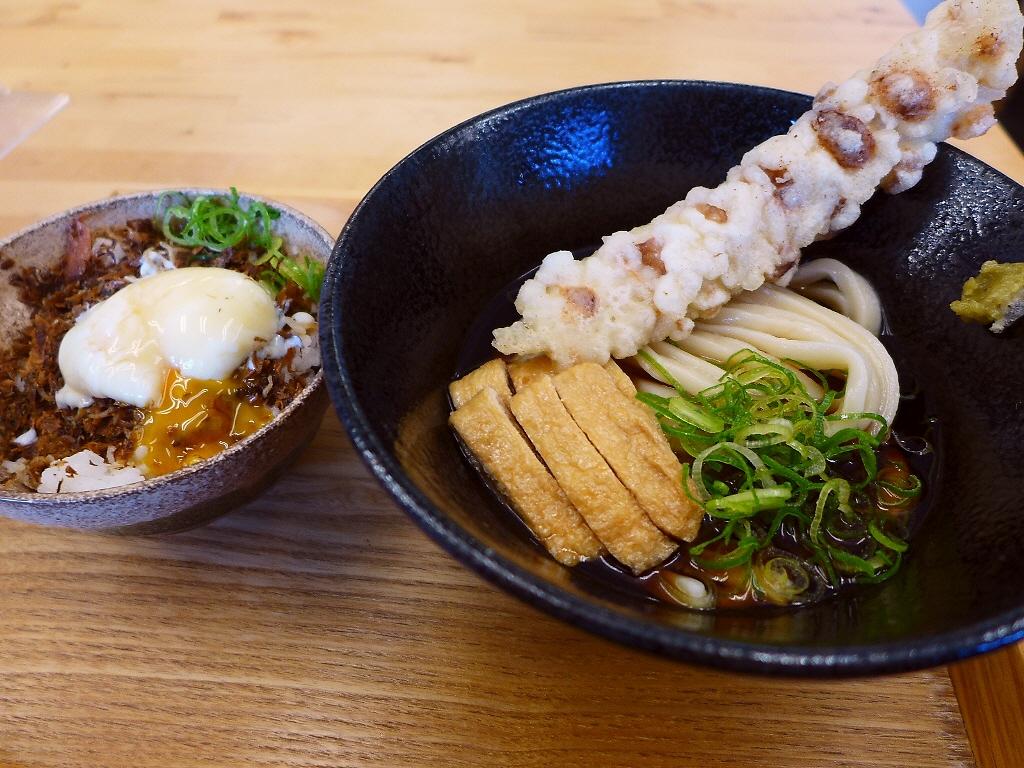 セルフスタイルの完成度の高い剛麺がいただける大人気うどん店! 天保山 「築港麺工房」