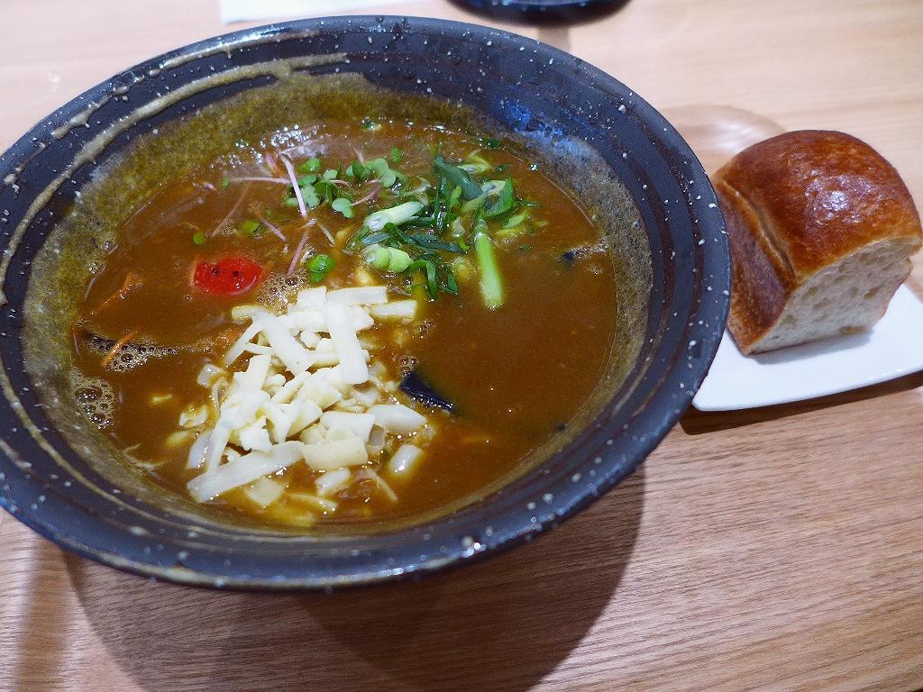 モ~ッチモチのうどんとうパンは唯一無二の感動的な食感です! 堺筋本町 「UDONダイニング KONA×MIZU×SHIO(コナ ミズ シオ)」
