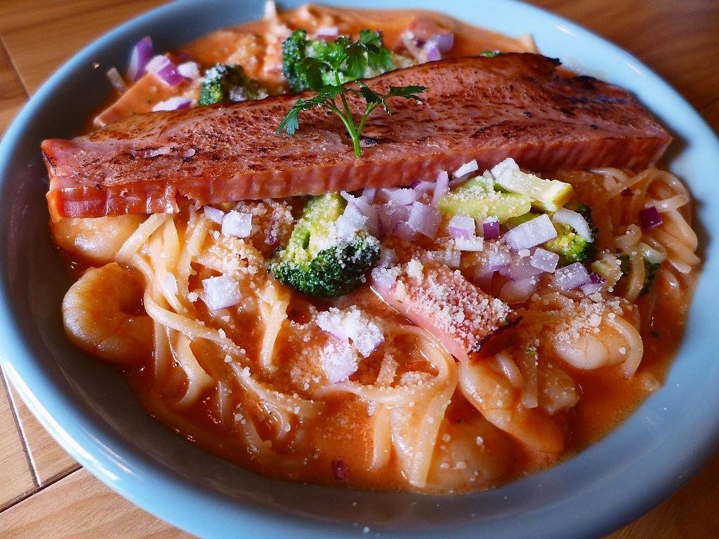 今年の食べ歩きは自家製麺パスタが美味しいお洒落なカフェからスタートです! 西宮市 「Gardens Pasta Cafe ONS (ガーデンズ パスタ カフェ オンズ)」