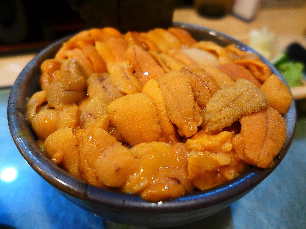 甘~いうにがびっしり敷き詰められたうに丼で幸せいっぱいです! 築地 「鮨國」