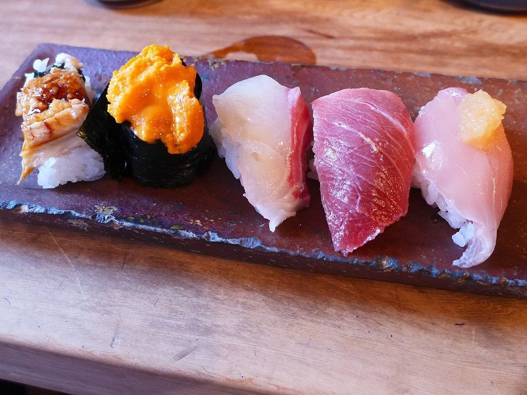 久しぶりの名物つかみ寿司は感動的に美味しかったです! 大阪中央卸売市場 「中央市場 ゑんどう」