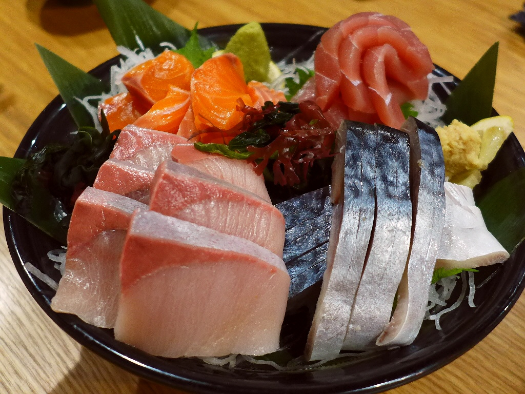 美味しい料理と日本酒の驚きの品揃えに感動させていただきました! 阿波座 「酒とひもの 人情酒場 阿波座店」