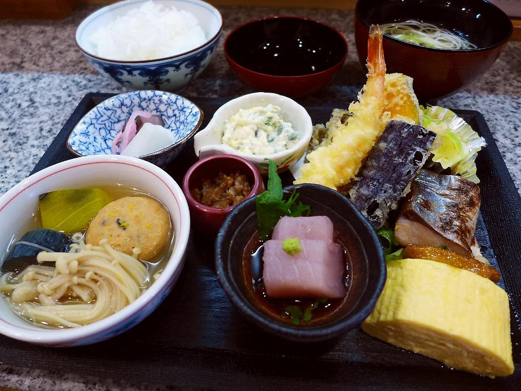 割烹の豪華弁当は美味しくて安くて満足感が高すぎます! 福島区 「右近」