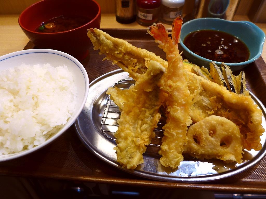 揚げたて熱々の天ぷらに明太子食べ放題が付いて満足感が高すぎます! 天神橋2丁目 「えびのや 南森町店」
