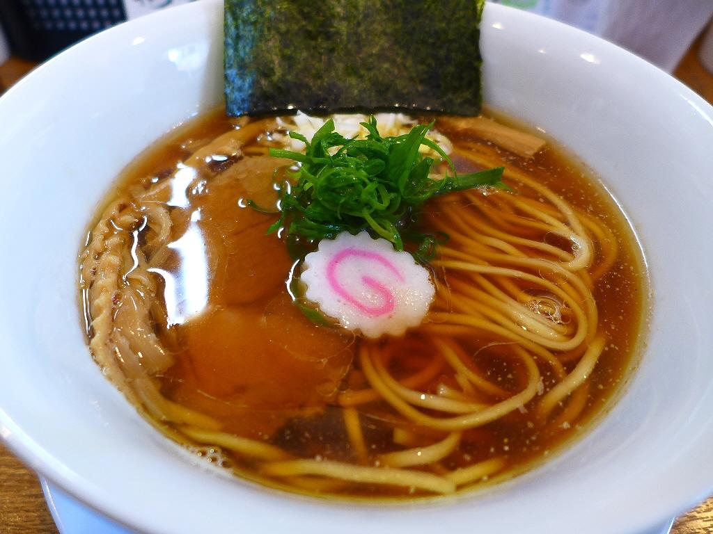 思わず唸ってしまうほど美味しい完成度の高い中華そば! 十三 「中華そば 桐麺」