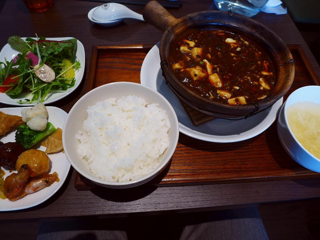 画像2: 本日のランチは肥後橋にある中華料理屋さん「ダオフー 肥後橋店」に行きました。 江坂にある人気中華の姉妹店で、こちらのお店ではランチタイムは、選べるメイン料理に前菜ビュッフェが付いたお値打ちのランチがいただけます! 「辛口... emunoranchi.com