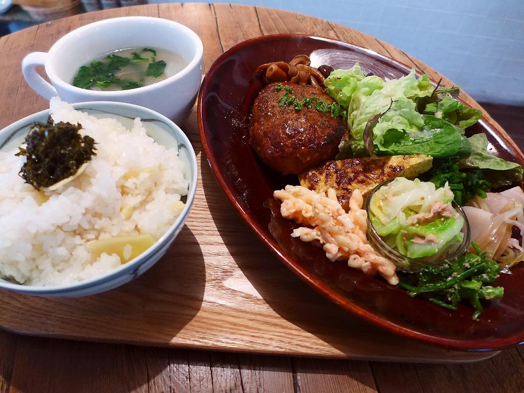 丹波産たけのこご飯と花山椒の佃煮のあまりの美味しさに感動しました! 西区京町堀 「グローブピッコラ」