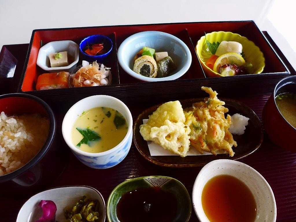 和食も洋食もどちらも楽しめる居心地抜群の老舗レストラン! 豊中市 「島熊山 グラーヴ」