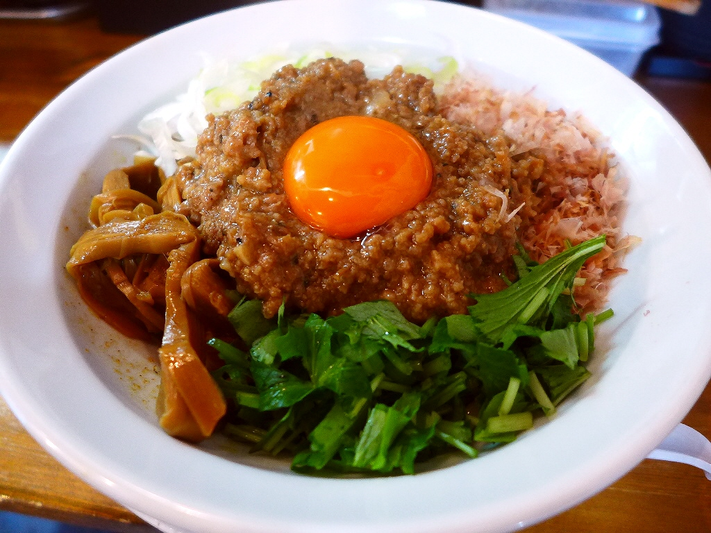 様々な旨みが凝縮した食べごたえ満点の絶品まぜそば! 上新庄 「天狗庵 (テンギャン)」