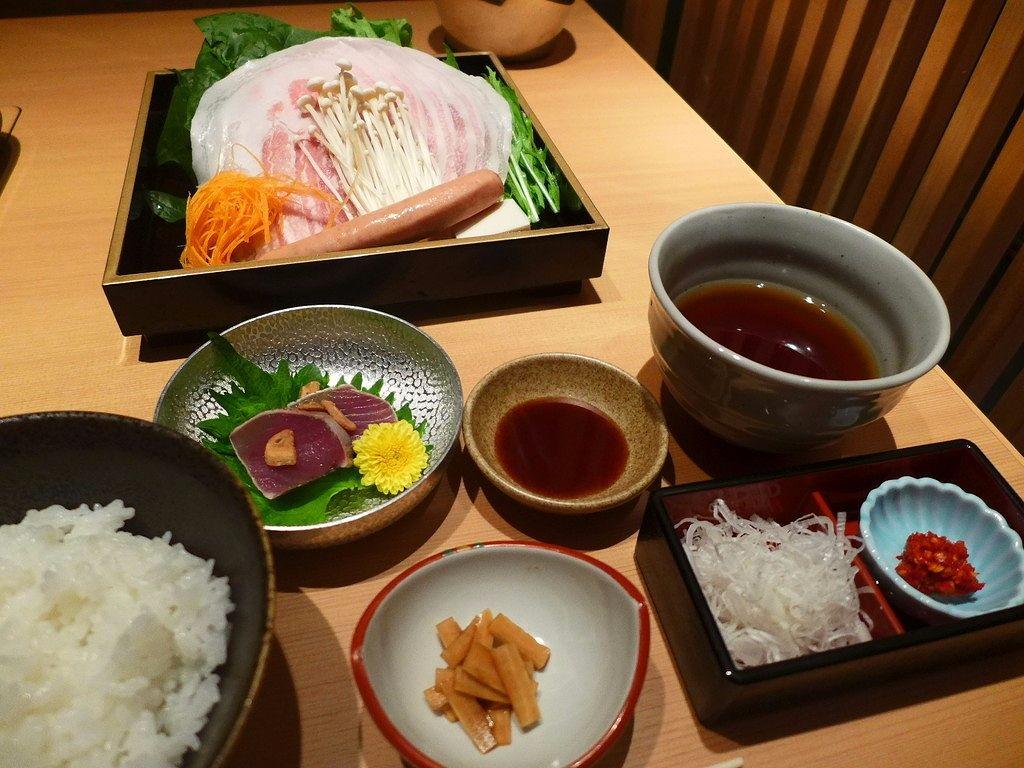 美味しい京もち豚のしゃぶしゃぶが綺麗な個室でゆったりいただけます! 福島区 「大阪豚しゃぶの会 福島邸」