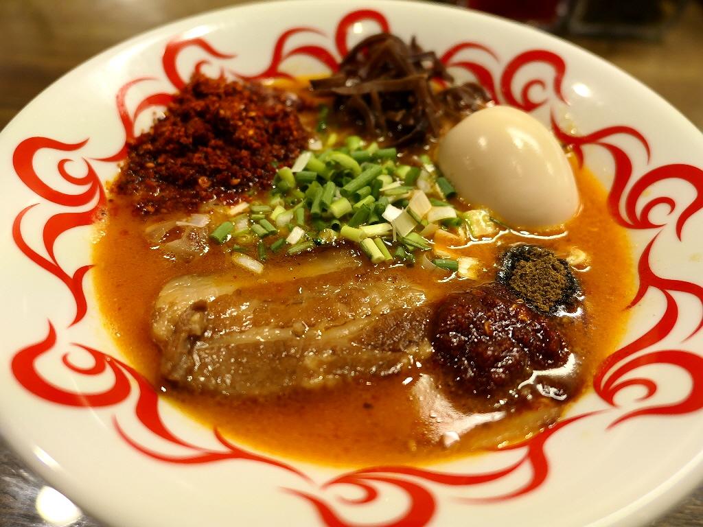 豚骨ベースの旨みに味噌の甘みとピリ辛と痺れが融合したオリジナリティ溢れるラーメン! 岸和田市 「麺や! サンポルコ」