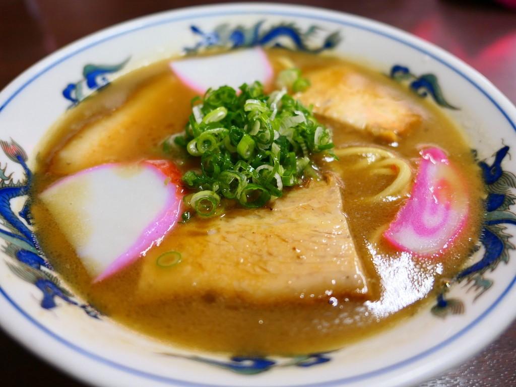 豚骨の旨みが濃厚でこってりながらも後味すっきりの和歌山ラーメン! 和歌山県 「山為食堂」
