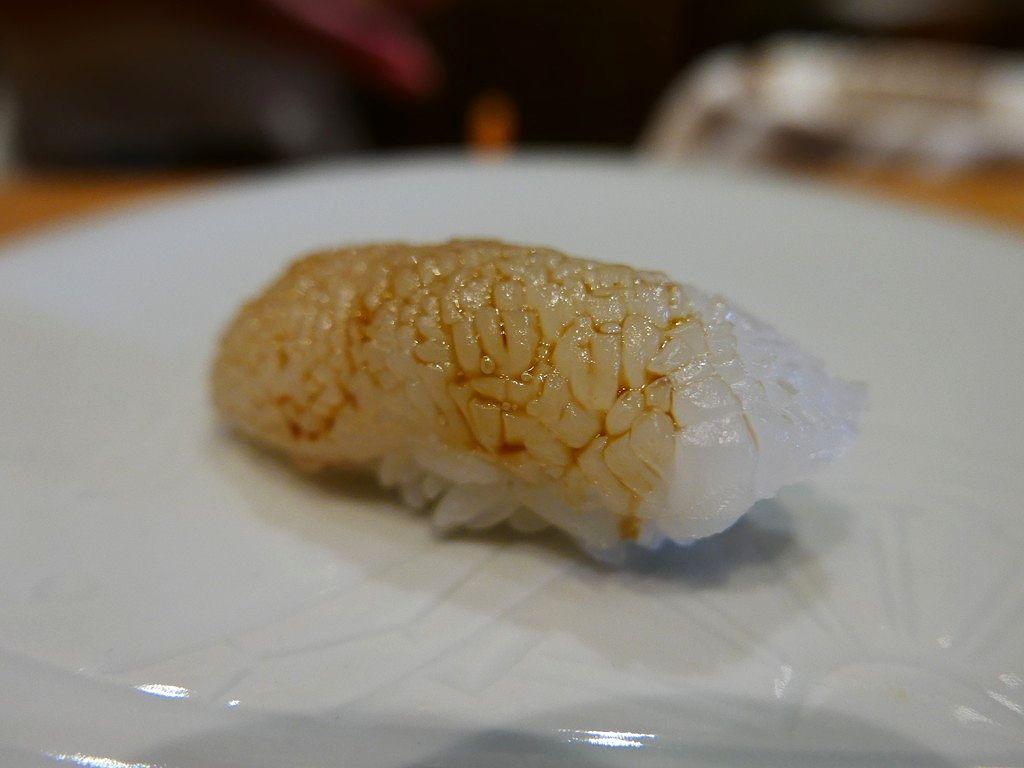 予約困難な名店の定休日の日曜日はお弟子さんの川口さんのお寿司が楽しめます! 谷町九丁目  「鮨 原正」