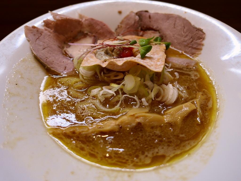 完成度の高い鶏魚貝白湯は美味しくてワクワクさせていただける唯一無二のラーメンです! 東三国 「MOVE麺t」