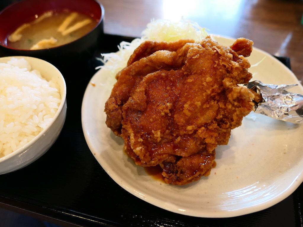 巨大で迫力満点の海賊モモ肉は予想以上の美味しさでした! 東三国 「南蛮食道」