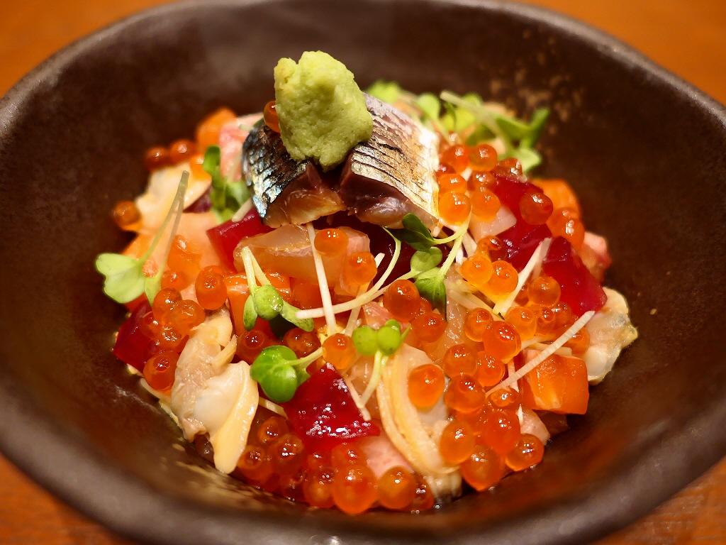 お洒落な空間で本格的でお値打ちな海鮮ちらしランチがいただけます! 梅田 「Premium Marshe with 鮨 なか川」