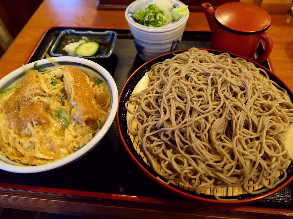地元で愛される人情味溢れるお蕎麦屋さんのお蕎麦は感動的に美味しかったです! 福島区 「鷺洲やまがそば」