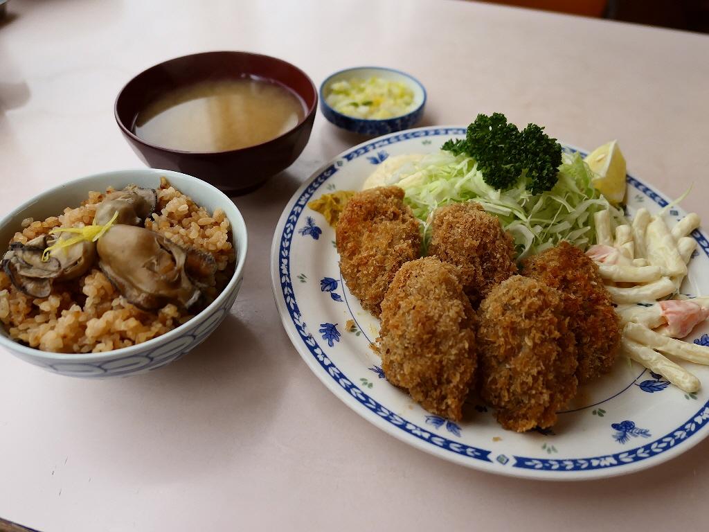 和洋中なんでも揃う市場の食堂の名物カキフライとかきめしは絶品でした! 築地市場内 「磯野家」