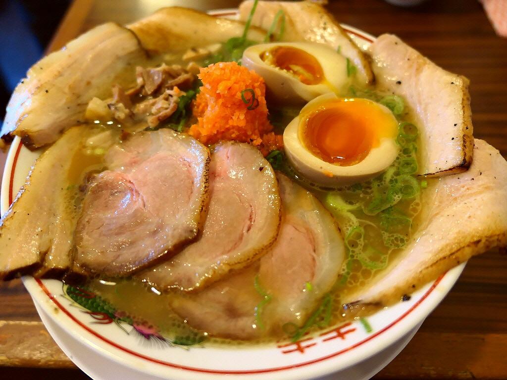 奇をてらわないすっきりした味わいのライト鶏白湯は何故か癖になってしまいます! 尼崎市 「麺屋 壱志」