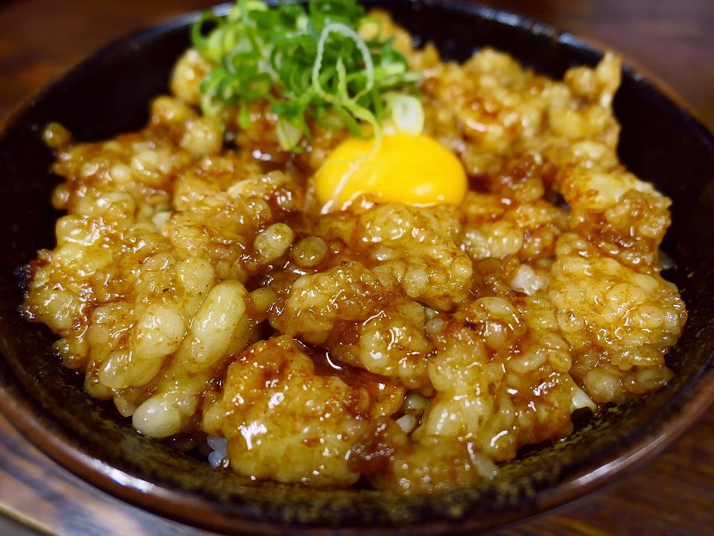 甘みたっぷりのプリプリのホルモンに病みつき系の濃厚なタレが絡んで一度食べると間違いなくハマります! 尼崎市 「杉本食堂」