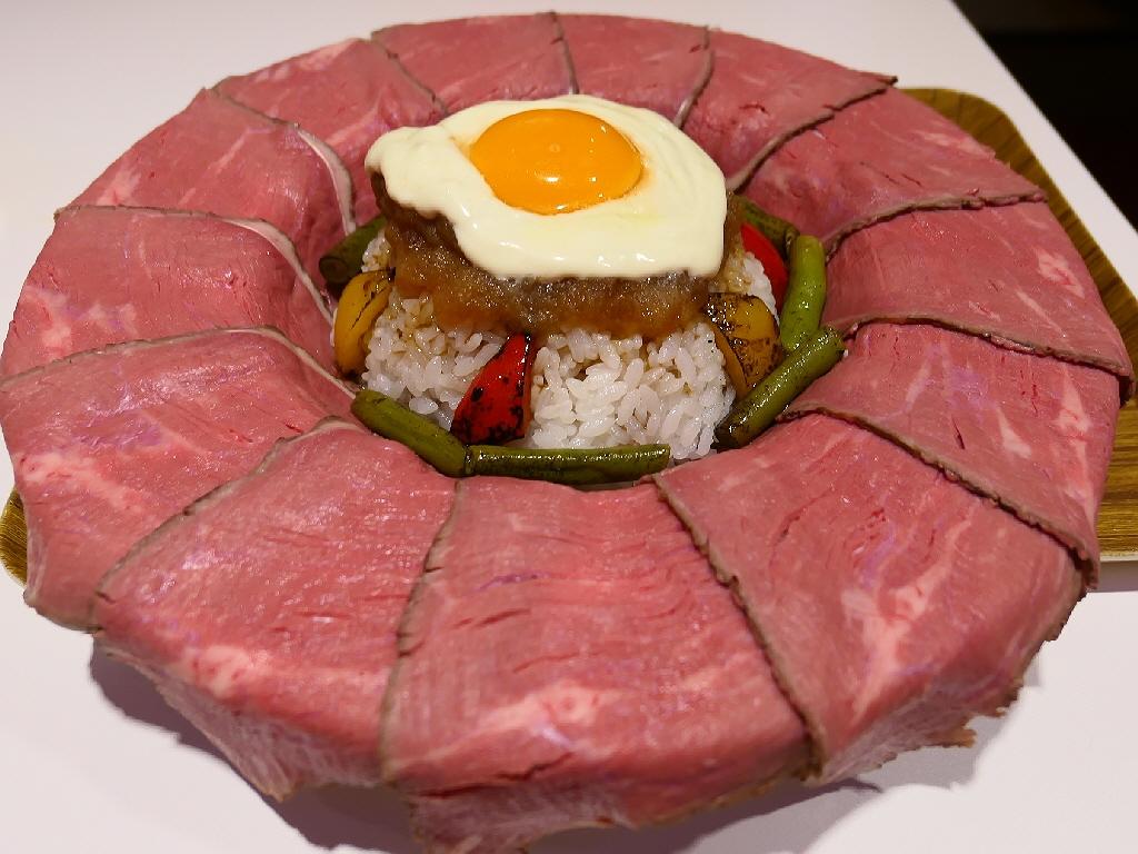 このクオリティとボリュームでたった980円!一日5食限定のフォトジェ肉なローストビーフ丼! 谷町4 「麺とかき氷 ドギャン 谷四店」
