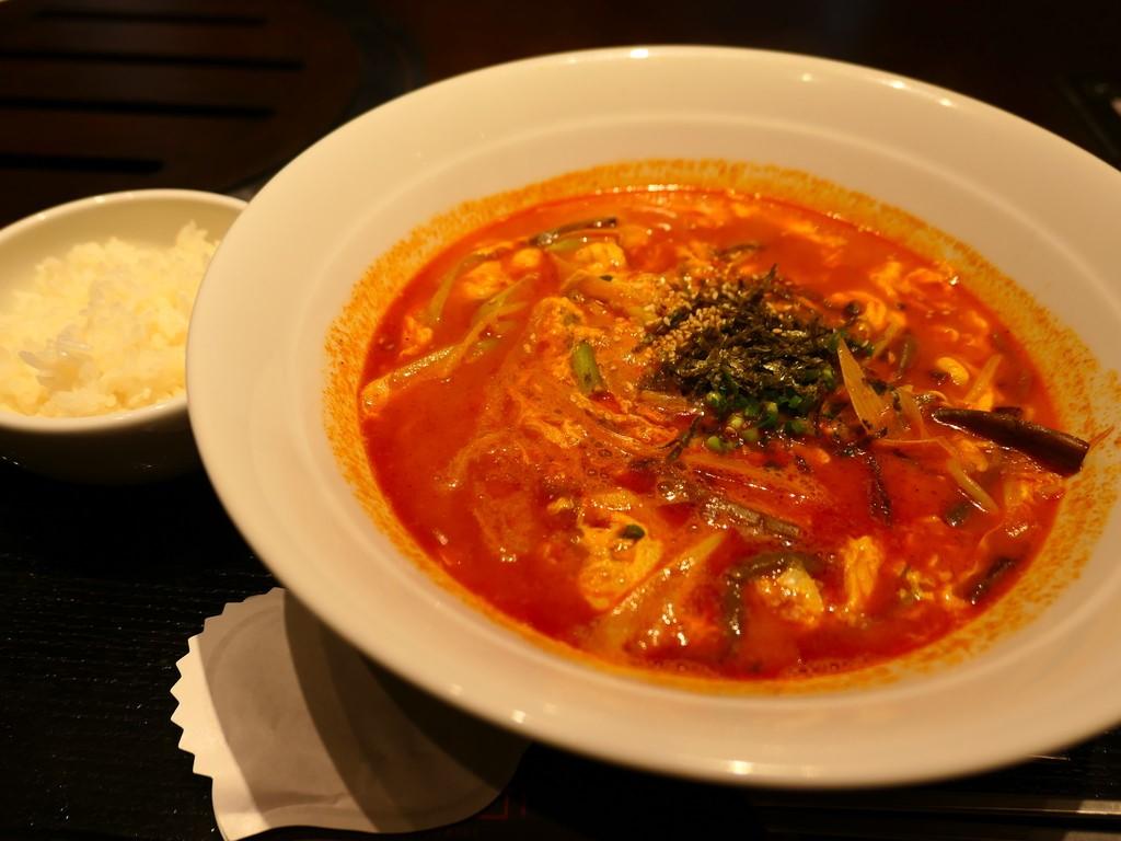 トラジ名物『炎のジャン麺』はほのかにピリ辛で体が温まります! 北区中之島 「焼肉トラジ 中之島フェスティバルプラザ店」