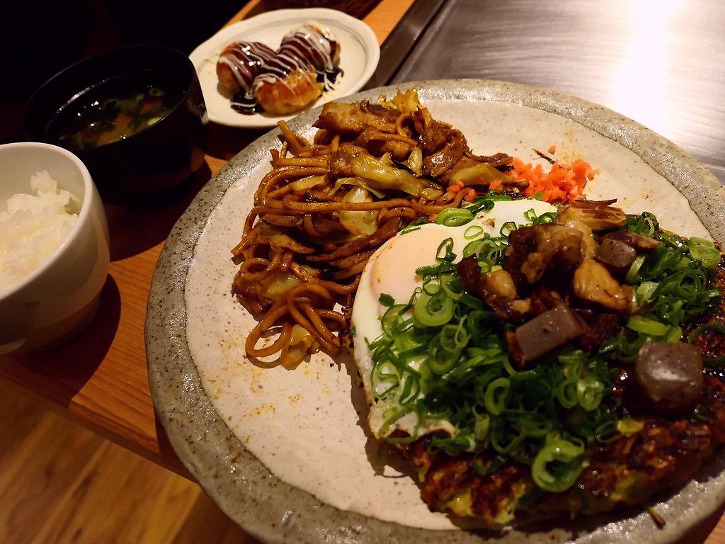 凄まじい人気のお好み焼き屋さんの姉妹店のトリプル炭水化物定食ランチは満足度が高すぎます! 新大阪 「メッセ熊子」
