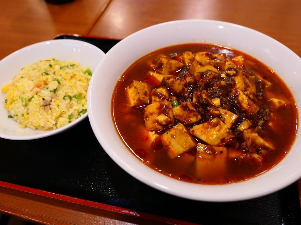 近所の常連さんで溢れかえる大人気中華料理店の麻婆麺は絶品でした! 中央区材木町 「龍華軒」