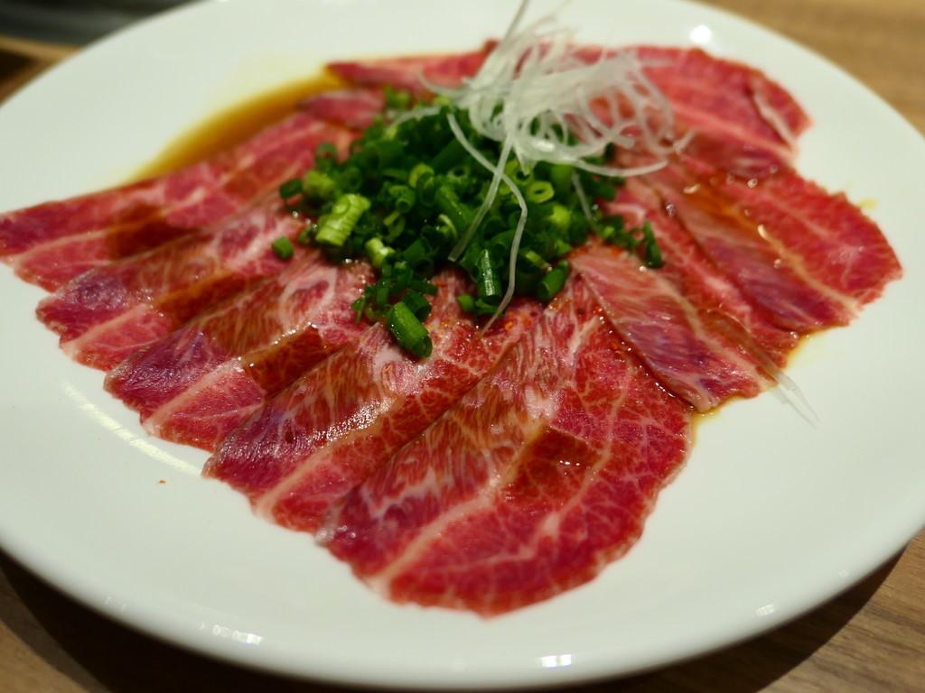 焼肉ソムリエ®の目利きで仕入れられた本物のお肉を最高の状態で食べさせていただける焼肉屋さん! 福島区 「焼肉ソムリエ 萬樹亭」