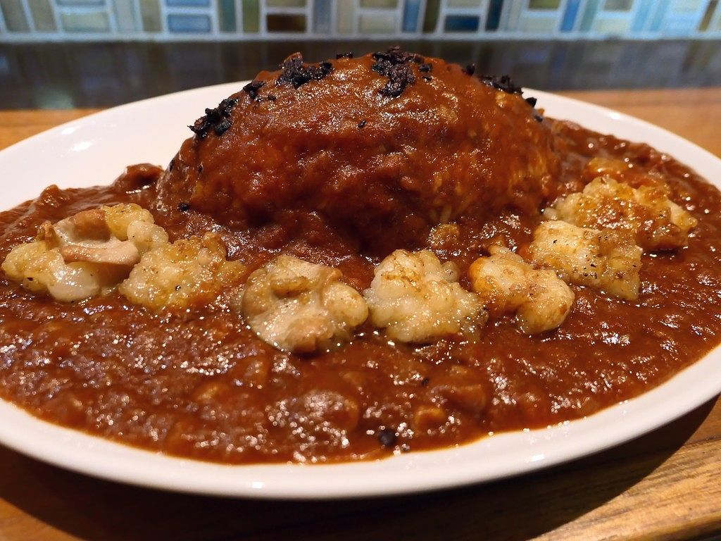 美味しいカレーがサクッと食べられるお店が梅田のど真ん中にオープンしました! 梅田 「くまBAR」