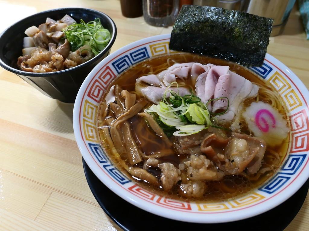 住道の人気ラーメン店が移転!大人気のホルモンラーメン、ホルモンまぜそば、ホルモン丼が食べられます! 東大阪市 「麺や 清流」