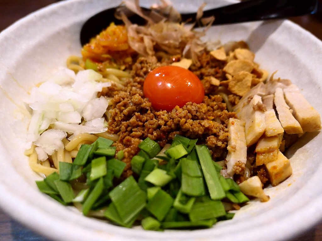 ジャンクで癖になる美味しさがヤバすぎるヤバ台湾まぜ麺! 寺田町 「麺屋 わっしょい」