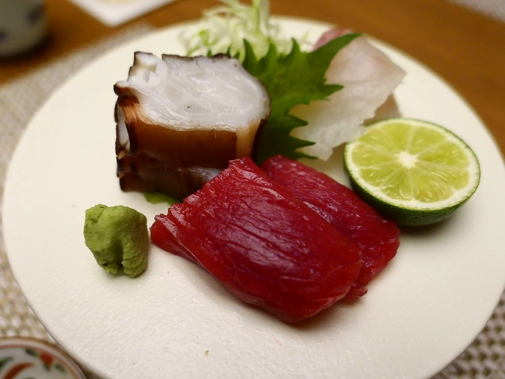 高級割烹のお昼の会席は美味しくてしっかりボリュームもあってびっくりするほどリーズナブルにいただけます! なんば 「九州の旬 博多廊 法善寺店」