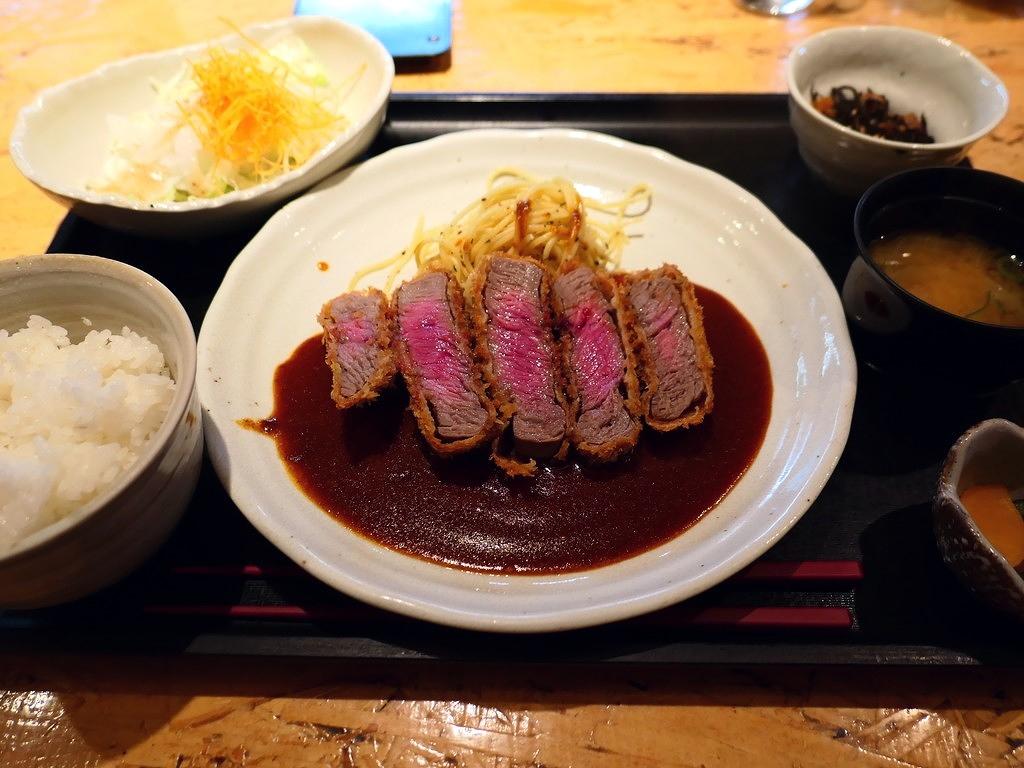 クオリティの高いお肉のレアなビフカツの美味しさに感動のコスパ抜群のお肉料理専門店! 京都  はふう 本店」