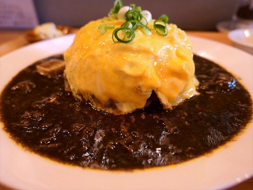 """オリジナリティ溢れる """"黒ゴママーボーごはん"""" は優しい味わいでとても美味しいです! 北区大淀中 「ライス&ヌードル フーフー」"""