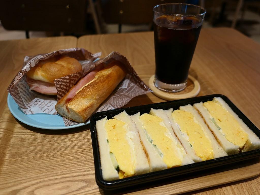 京都の老舗パン屋さんの名物カルネも玉子サンドも絶品です! 京都山科区 「志津屋 山科駅店」