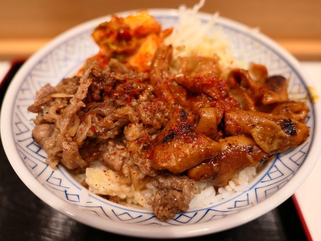 阪神スナックパークにオープンした尼崎の名焼肉店プロデュースの焼肉丼はお肉もタレも病みつき系の美味しさです! 梅田 「牛焼 みらく」