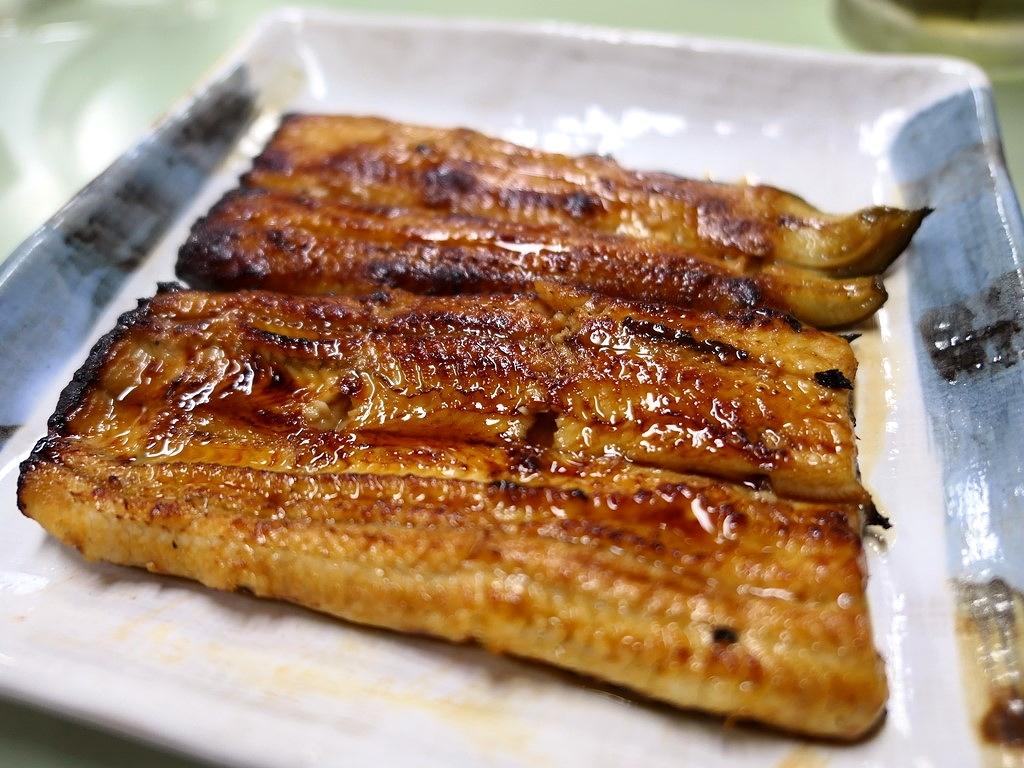 朝から大行列が出来る地元で絶大に支持されるパラダイスのような居酒屋! 東京都北区赤羽 「鯉とうなぎのまるます家 総本店」